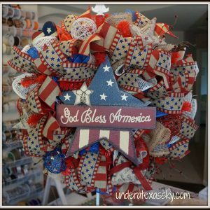Patriotic Poly Burlap Ruffle Wreath Tutorial
