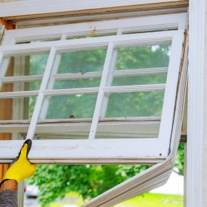 Should Your Repair or Replace Your Windows